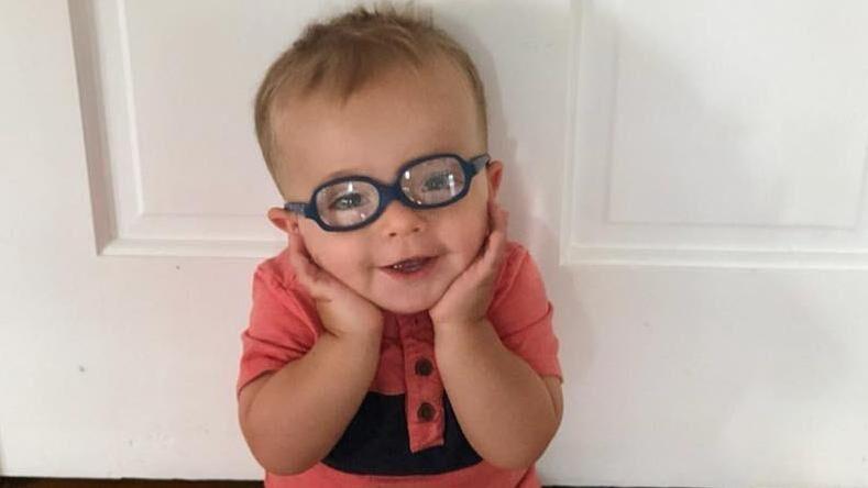 En video af den to-årige Roman Dingle fra den amerikanske