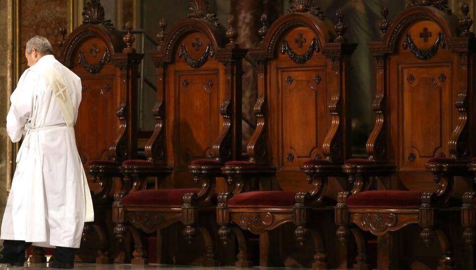En katolsk præst fik af kirken en anbefaling til et