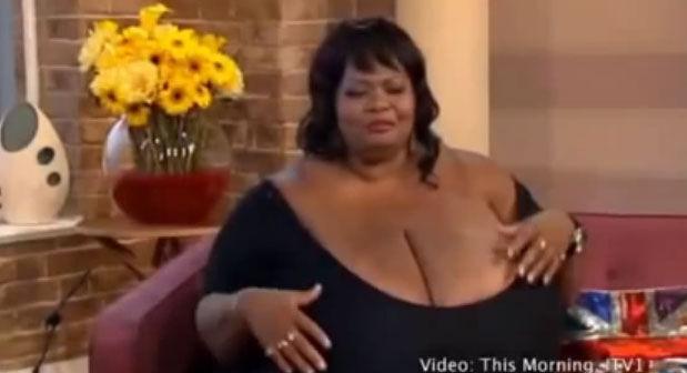 røvpuling danmarks største bryster