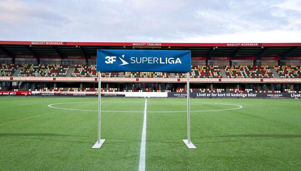 Nu sker det - dåselyd til Superligaen