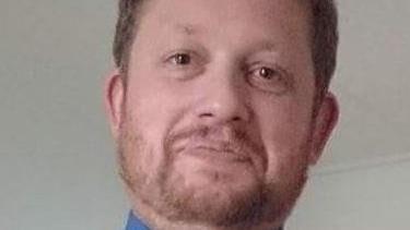 Politiet efterlyser 43-årige Peter