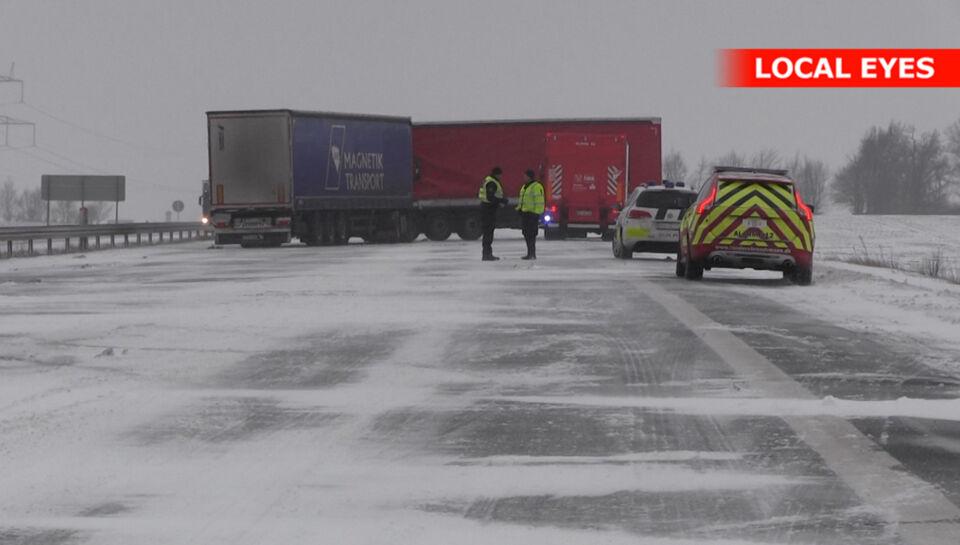 Sne og is skaber store problemer p motorveje bt krimi for E and j motors